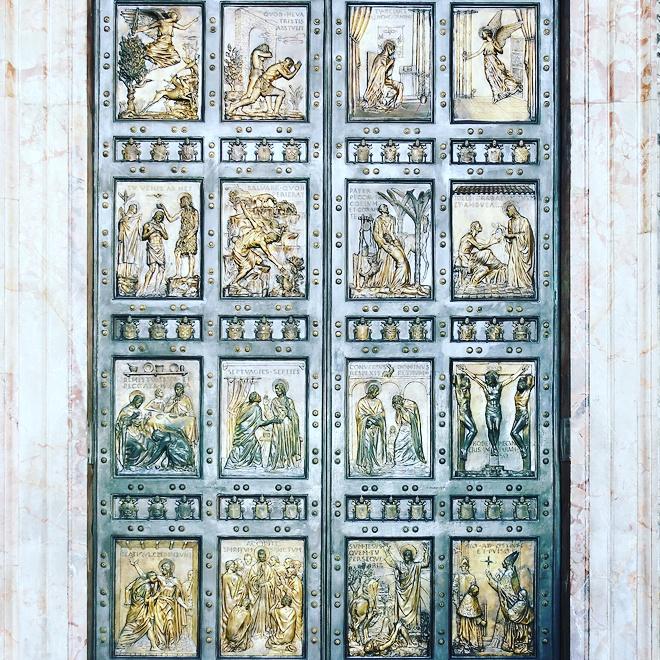 Puerta-Santa_Vaticano
